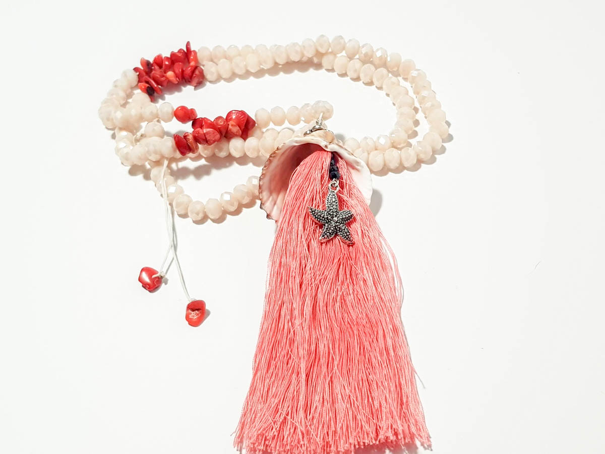Εικόνα της Woman's Necklace with crystal beads, chips, natural seashell, metal star and a big tassel . Handmade