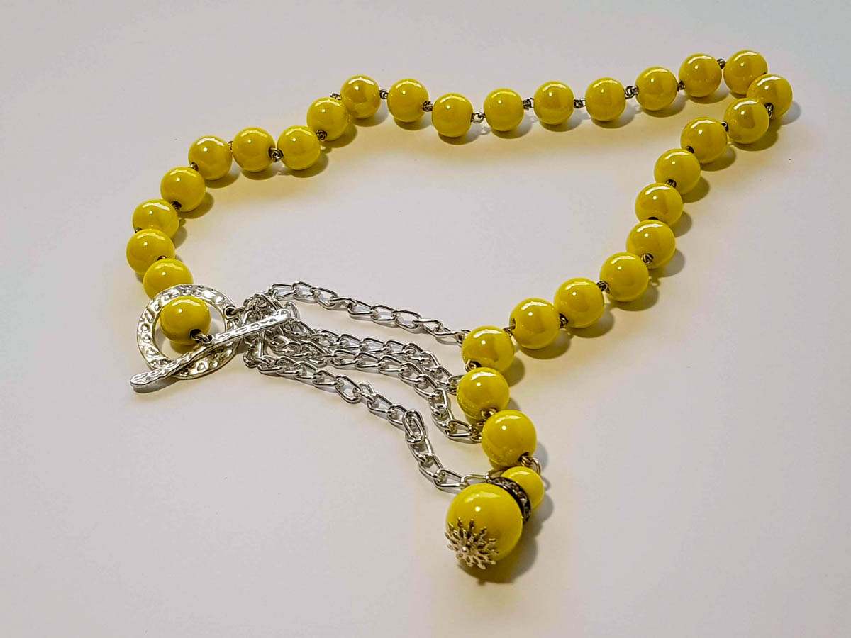 Picture of Ceramic Beads Necklace Handmade. Various Colors