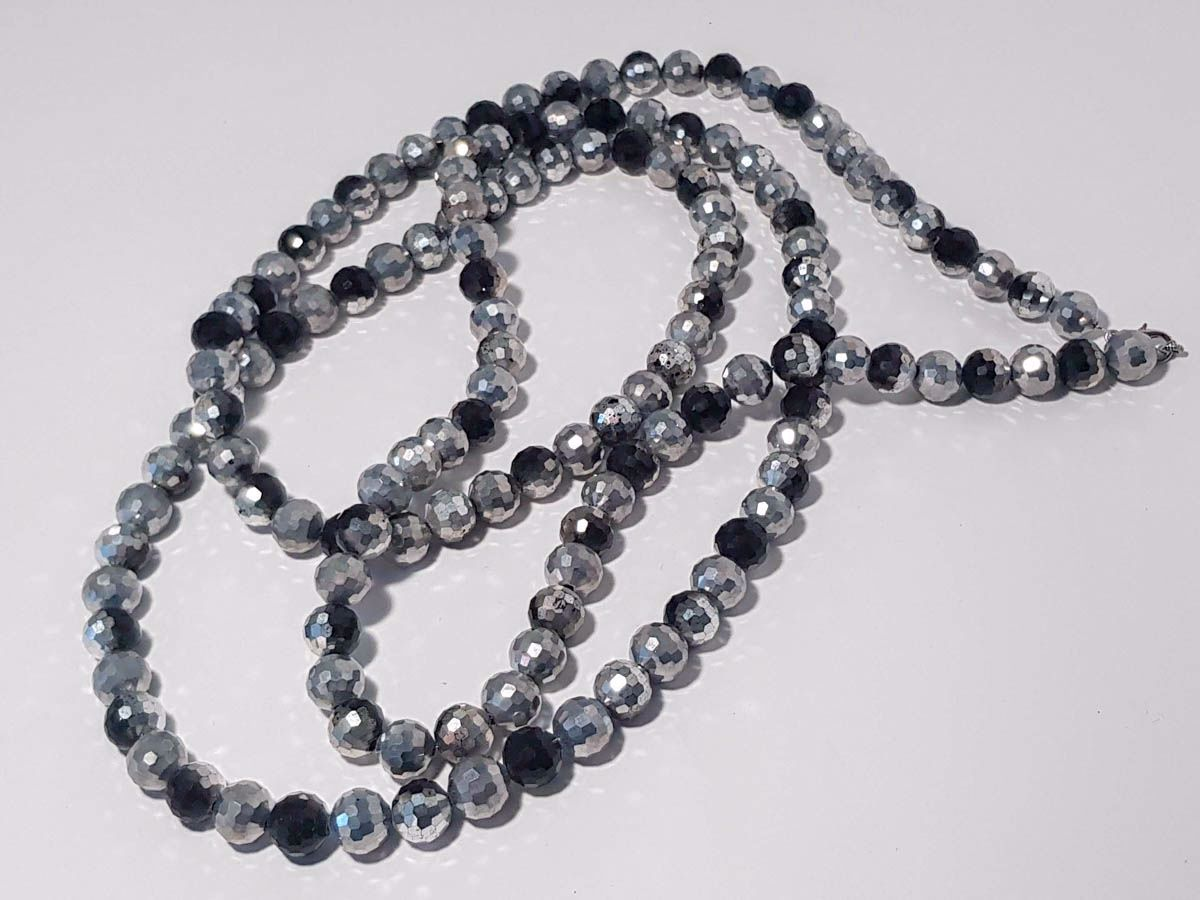Εικόνα της Woman's Necklace with a combination of black and silver crystal beads  Handmade.
